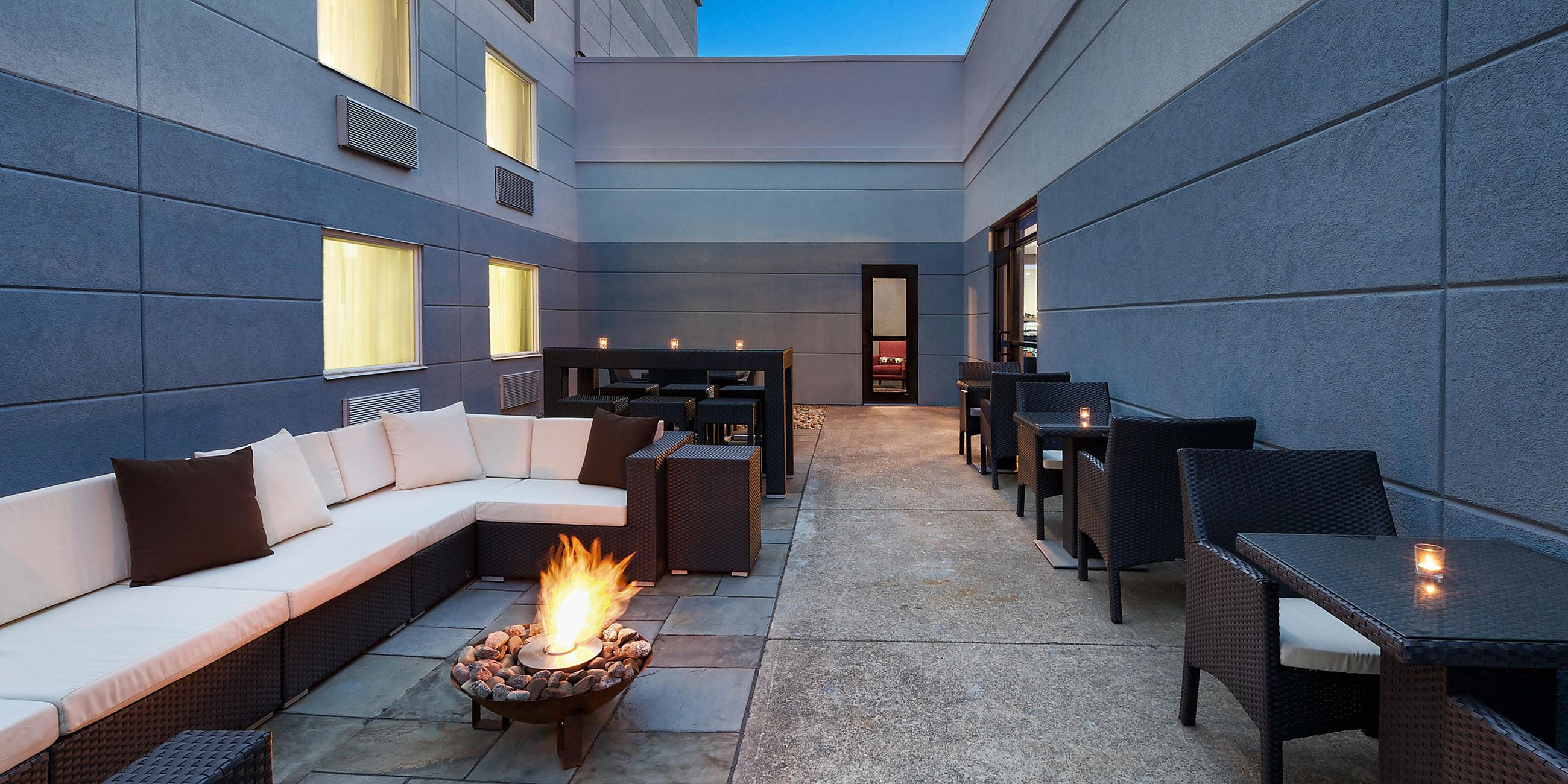 Hotel INDIGO Beachwood Patio with firepit