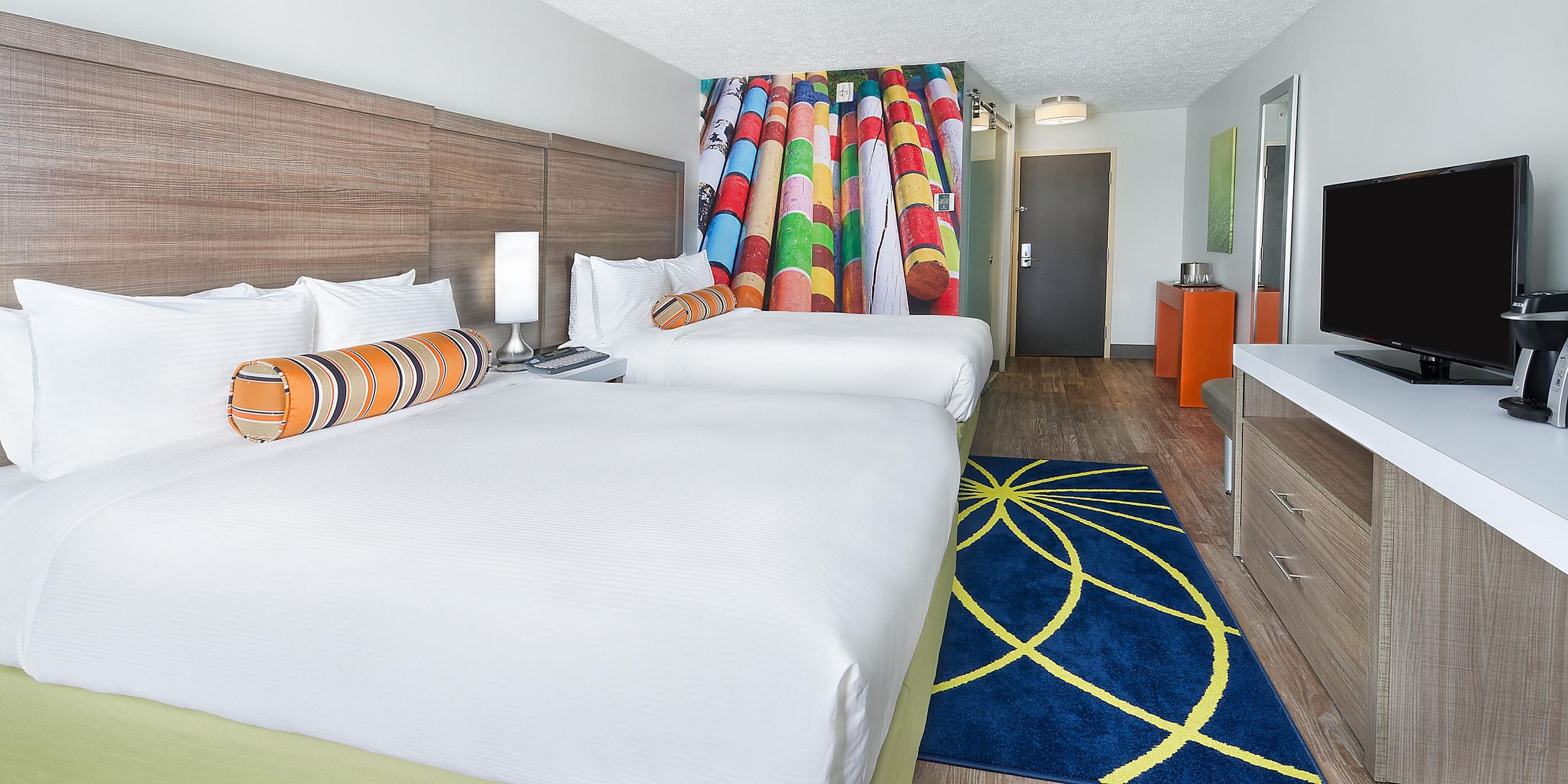 Hotel INDIGO room with 2 double beds